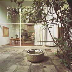 Luis Barragan home. Architecture Details, Landscape Architecture, Interior Architecture, Architecture Diagrams, Architecture Portfolio, Exterior Design, Interior And Exterior, Habitat Collectif, Outdoor Spaces