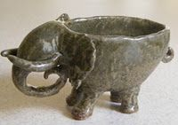 animal bowl clay project - just like the ones I have done with third graders. This is a nice elephant one. Clay Pinch Pots, Ceramic Pinch Pots, Ceramic Clay, Ceramic Pottery, Clay Clay, Slab Pottery, Thrown Pottery, Ceramic Bowls, Stoneware