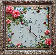 Roses clock in frame