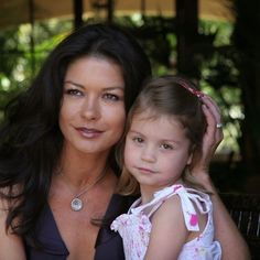 Celebrity Siblings, Celebrity Kids, The Mask Of Zorro, College Packing, Catherine Zeta Jones, Old Video, Oscar Winners, Prom Pictures, Proud Mom