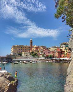 Liguria, Genova Nervi  repost from @viktoriiait -  Доброе утро, друзья!  #nervi #genova #porto #porticciolo #harbour #marina #bambino #child #portofino #camogli #cinqueterre #portovenere #lerici #vernazza #liguria #mare #sea #settembre #september #italia #italy #loveitaly #iloveitaly