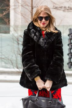 NYFW | Molly of A PIECE of TOAST wearing Quimby sunglasses in Aurora