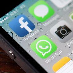 Aplicativos em celular do tipo iPhone mostram WhatsApp e Facebook (Foto: getty images) #apps #aplicativos #modernistablog