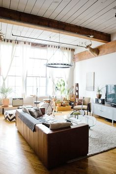 If big, industrial spaces make your heart go pitter-patter, you're in luck. We've rounded up 10 tours of lofts in cities all across the country, from Brooklyn to LA. You'll find plenty here to inspire you — and maybe make you a little jealous, too. Don't say we didn't warn you.