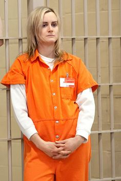Identification and dress code: this orange jumpsuit shows that this person is in prison. It's also a dress code because they are forced to wear it Blonde Halloween Costumes, Girl Costumes, Adult Costumes, Mermaid Costumes, Couple Costumes, Couple Halloween, Halloween Ideas, Costume Ideas, Happy Halloween