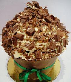 Kinder chocolate bomb cake