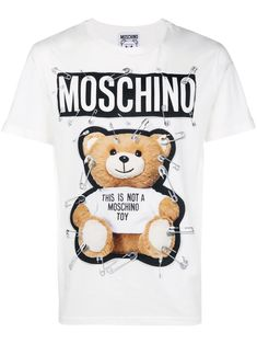 180 € - Moschino Chemises Graphiques, Tee Shirts, Mode Streetwear,  Moschino, Conceptions 9856d7fa9e95