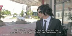 Kellin understands hair problems. ANYWAYS THIS IS SO RELATEABLE .