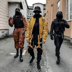 Guy style 665336544935293808 - How do you guys discovered the techwear style? 🤔 I'm really curious to learn more about you guys! In the previous post I asked 'where are… Source by techwear_elite Dark Fashion, Urban Fashion, Cool Outfits, Fashion Outfits, Parisian Fashion, Bohemian Fashion, Fashion Clothes, Fashion Fashion, Retro Fashion
