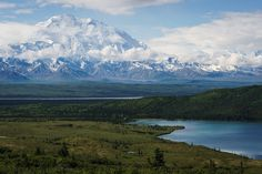 Today is International Mountain Day so here is a photo I took of the tallest mountain in North America: Denali (Alaska) [OC] [6000x4000]