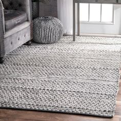 nuLOOM Flatweave Chevron Striped Indoor/ Outdoor Patio Silver Rug x (As Is Item) (Silver) Farmhouse Area Rugs, Farmhouse Outdoor Rugs, Farmhouse Style Rugs, Entryway Rug, Foyer, Area Rugs For Sale, Manta Crochet, Rugs Usa, Art Mural