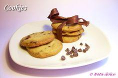 Cookies - biscotti americani con gocce di cioccolato - ricetta dolce