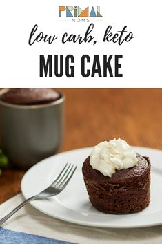 Low carb keto chocolate mug cake. Only net carbs! Ready in 2 minutes! Moist Chocolate Mug Cake, Chocolate Mug Cakes, Sugar Free Chocolate, Chocolate Chip Cookies, Low Carb Desserts, Cookie Desserts, Stevia, Sour Cream, Ketogenic Diet