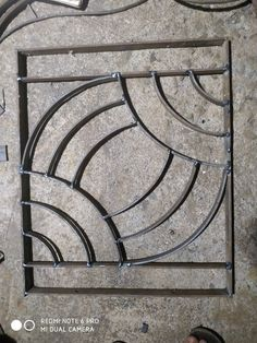 Home Gate Design, Window Grill Design Modern, Fence Gate Design, Balcony Grill Design, Door Design, Modern Design, Welding Art Projects, Metal Art Projects, Diy Welding