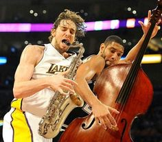 Funny pictures about NBA Orchestra. Oh, and cool pics about NBA Orchestra. Also, NBA Orchestra photos. Sports Pictures, Funny Pictures, Classical Music Humor, Fail, Funny Photoshop, Photoshop Actions, Music Memes, Music Humour, Funny Music