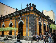 #edificio #edificionaranja #naranjaenlaciudad #architecture #arquitectura #centreville #centrohistorico #guadalajara #jalisco #gdl #gdlmx #mexico #mexique #iger_gdl #igersguadalajara #igersgdl #igersjalisco #mextagram #turisteando #instafrancais #visitmexico #proyectomexico #canon_photos by zembro_974
