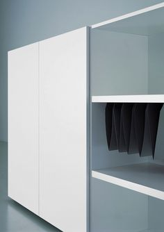 Modern | by Porro _elegant office storage designed _by Piero Lissoni | #milu #theminimalist