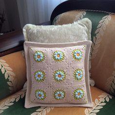 """960 Likes, 46 Comments - Nesime Erciğer (@nesimerciger) on Instagram: """"I have finished my cushion.I like making cushion with using #grannysquare #my_craftastherapy…"""""""