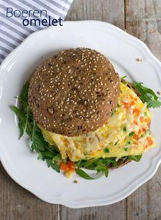 Boeren omelet - Brenda Kookt! Easy Omelet, Healthy Omelette, Omelette Recipe, Omelette Ideas, Breakfast Omelette, Burger Recipes, Potato Recipes, Gourmet Recipes, Healthy Recipes