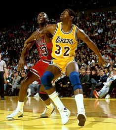 Jeffrey Jordan, Jordan 23, Star Trek Posters, Michael Jordan Photos, Basketball Legends, Basketball Skills, Jordan Basketball, Basketball Pictures, Michael Jordan Basketball