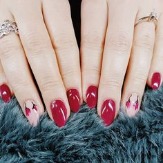"""8 Synes godt om, 1 kommentarer – Box of beauty (@boxofbeautydk) på Instagram: """"#rednails #simpel #flowers #winter"""" Round Shaped Nails, Sims, Beauty, Jewelry, Round Wire Nails, Jewlery, Jewerly, Mantle, Schmuck"""