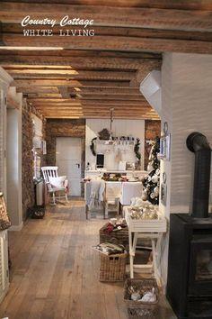 White Living: Country Cottage ähnliche tolle Projekte und Ideen wie im Bild vorgestellt findest du auch in unserem Magazin . Wir freuen uns auf deinen Besuch. Liebe Grüß