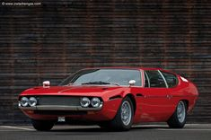 Looking for the Lamborghini Espada of your dreams? There are currently 10 Lamborghini Espada cars as well as thousands of other iconic classic and collectors cars for sale on Classic Driver. Lamborghini Pictures, Best Lamborghini, Lamborghini Espada, Bentley Mulsanne, Collector Cars For Sale, Automotive Design, Car Car, Exotic Cars, Motor Car