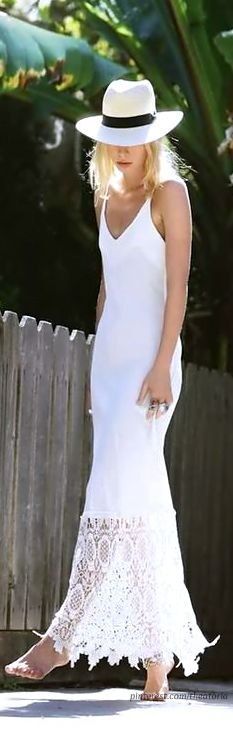 I'm pretty sure I can never be comfortable in all white, but this is gorgeous.