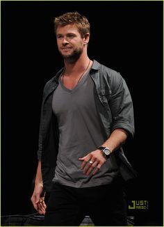 Galeria de Fotos: Chris Hemsworth!   Humor de Mulher!