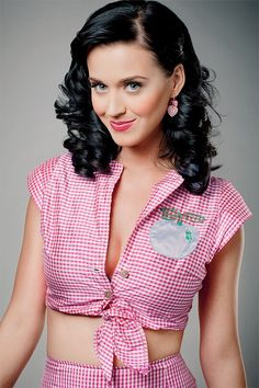 Katy with her regular hair. Not the ugly, short, blonde hair.