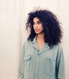 Perfectly Full Eyebrows With A Soap Bar Hair Inspo, Hair Inspiration, Pretty People, Beautiful People, Curly Hair Styles, Natural Hair Styles, Full Eyebrows, Fc B, Portraits