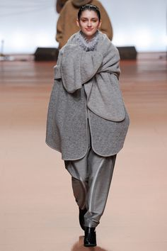 Issey Miyake | PARIS Fall 2014 Ready-to-Wear Collection | Style.com