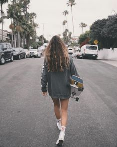 Charcoal Uluwatu Hoodie Skater Girl Outfits Charcoal Hoodie Uluwatu - Charcoal Uluwatu Hoodie Skater Girl Outfits Charcoal Hoodie Uluwatu Source by - Skateboard Style, Cruiser Skateboard, Skateboard Photos, Skate Photos, Penny Skateboard, Skateboard Outfits, Vans Skateboard, Skater Girl Style, Skater Girl Outfits