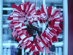 Beautiful Feet, Beautiful Me: Itty Bitty Crafty Thing - Valentines Wreath