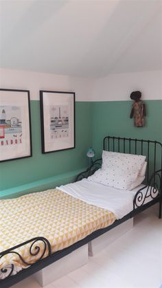 An inspirational image from Farrow & Ball. Small Boys Bedrooms, Small Room Bedroom, Girls Bedroom, Green Boys Room, Bedroom Green, Farrow Ball, Bedroom Color Schemes, Bedroom Colors, Farrow And Ball Bedroom