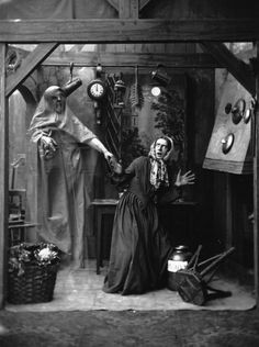 Please Enjoy These Spooky Victorian Ghost Photos