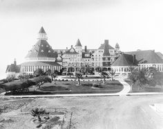 Hotel del Coronado - Officially Opened on February 1888 in San Diego, CA Coronado San Diego, Hotel Del Coronado, Haunted Hotel, Haunted Places, Beach Resorts, Hotels And Resorts, San Diego Resorts, California History, Vintage California