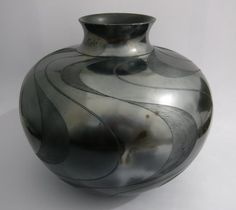 Africa | Ian Garrett. South Africa | Ukhamba, hand built, burnished and saggar-fired. terracotta/earthenware.
