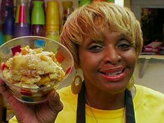 FNot even the Neelys can duplicate Alcenia's Sweet Potato Cobbler. Boiling Sweet Potatoes, Canning Sweet Potatoes, Sweet Potato Cobbler, Sweet Potato Recipes, Food Network Recipes, Dog Food Recipes, Cooking Recipes, Pie Recipes, No Cook Desserts