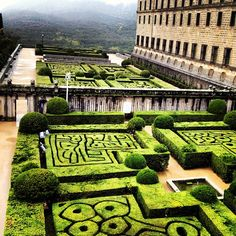 See 1129 photos from 5574 visitors about architecture, monuments, and spain. One of the many wonderful historical places in. Escorial Madrid, Spain Travel, Austria, The Good Place, Planets, Travel Destinations, Architecture, World, Outdoor Decor