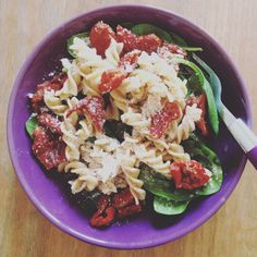 Lunch: Cold wholemeal pasta from the fridge (extra cooked the night before and saved) on a bed of spinach with sun-dried tomatoes, olive oil and a good sprinkle of parmesan.  This is so enjoyable to eat, it quite literally slides down in no time and is very satisfying.