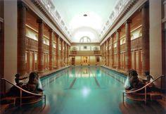 Roman Baths in #Berlin Neukolln >>>  Bañarse como en la antigua Roma en el barrio de Neukölln | El Viajero en EL PAÍS  More information about Berlin: visitBerlin.com