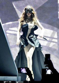 Selena Gomez – Performs at Revival World Tour in Fresno