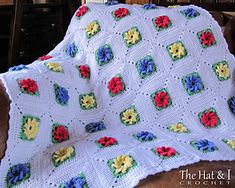 Free pattern for this pretty flowered blanket!!