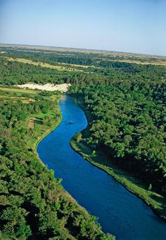 One of the nation's great canoe journeys passes through the rolling hills of Nebraska's cowboy country near Valentine.