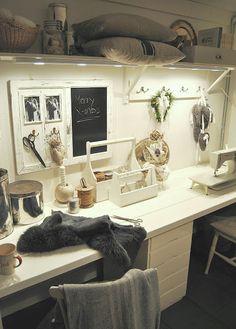 Hannas craft room