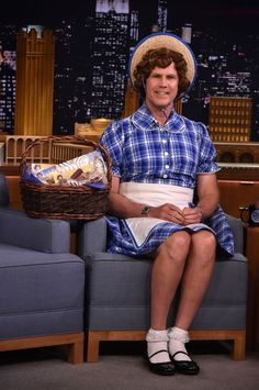 I saw this when it first aired, and I laugh so hard no matter how many times I watch it again! Watch Will Ferrell — We Mean, Little Debbie — Make an Adorable Visit to The Tonight Show Will Ferell, Funny Cute, Hilarious, Interview Dress, I Love To Laugh, Jimmy Fallon, Saturday Night Live, Funny People, Comedians