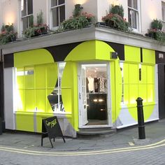 Pop Up Shop Design / Retail Design / Semi Permanent Retail Fixtures / VM / Retail Display / A fashion pop-up shop. Bg Design, Signage Design, Window Design, Retail Facade, Retail Signage, Retail Interior, Interior And Exterior, Restaurant Hotel, Vitrine Design