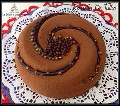 TIRAMISÙ MODERNO RICETTA DI: ROSSELLA DE TULLIO Crema al mascarpone Cremoso cioccocaffe Pavesini al cacao Ingredienti: per stampo da 18 cm 2 pacchetti di pavesini al cacao Per il Cremoso cioccocaffe: 160 ml latte di riso (potete usare anche del latte fresco intero) 65 g tuorlo 30 g zucchero semolato 3 g Colla di pesce…