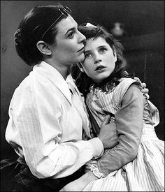 Tonight 10-19 in 1959, a 12 year old Patty Duke debuted on Broadway in The Miracle Worker. Anne Bancroft played Annie Sullivan - both actresses would reprise their roles in the 1962 film version.